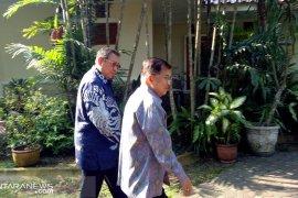Wapres Jusuf Kalla kunjungi SBY di Cikeas