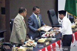 25 anggota DPRD kabupaten Seram Bagian Timur dilantik