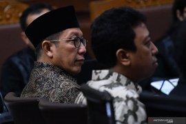 Saksi sebut terima pengumpulan uang untuk transportasi Menteri Agama