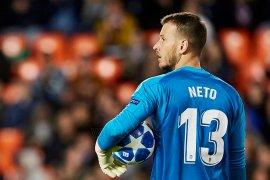 Barcelona rekrut Neto sebagai pelapis Ter Stegen