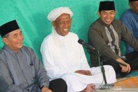 Guru Harli Pahampangan bangga kinerja pemerintahan Bupati HSS