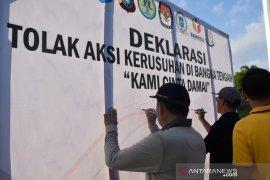Polres-Pemkab Bangka Tengah serukan cinta damai dan menolak aksi kerusuhan