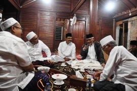 Kiai sepuh Jatim sambut positif pernyataan Jokowi-Prabowo pasca-putusan MK