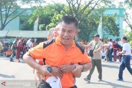 Tingkatkan sinergitas, Polisi dan TNI gelar olahraga bersama