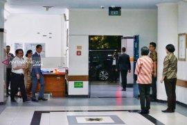Jokowi besuk Risma di RSUD Soetomo