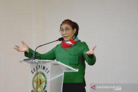 Mantan menteri Susi Pudjiastuti mau benih lobster selalu dilindungi dan tak diekspor