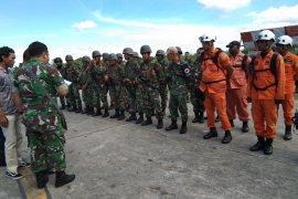 SAR gabungan beranggotakan 35 orang menuju Oksibil cari helikopter MI 17