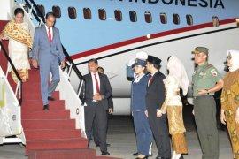 Emil Dardak dapat tips jaga stamina dari Presiden Jokowi