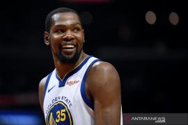 Durant mengumumkan keputusan bergabung dengan tim NBA Brooklyn Nets
