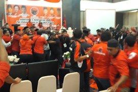 Konferda PDIP Malut diwarnai kericuhan