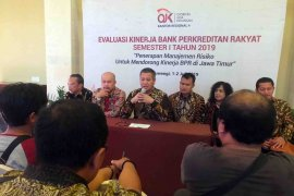 OJK evaluasi kinerja BPR se-Jawa Timur