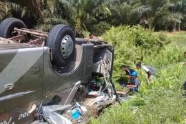 Bus Pontianak-Sampit terbalik di Lamandau, tiga korban tewas