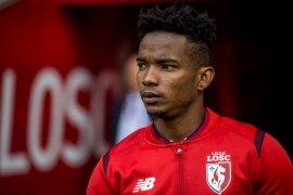 Lyon beli Mendes setelah jual pemain muda Tanguy Ndombele