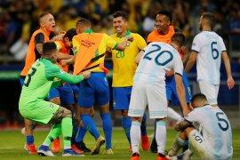 Punggawa Liverpool-Manchester City antar Brazil singkirkan Argentina