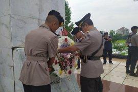 HUT Bhayangkara  Ke-73, Polda Sumut ziarah ke Taman Makan Pahlawan