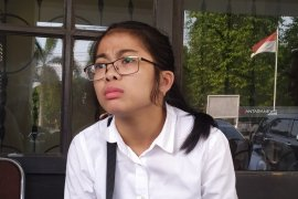 Sebelum menghilang, Erlina bercerita akan pergi dan pindah kerja