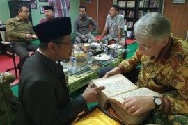 Guru Besar Universitas Leiden Belanda Kunjungi Al-Khairiyah Cilegon