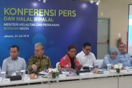 Menteri Susi sebut pakan ikan masih dikuasai korporasi  besar