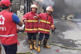 Rumah Ketua FKUB Bali terimbas kebakaran gudang rongsokan