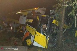 Seorang tewas dan 10 korban luka dalam kecelakaan beruntun di Situbondo