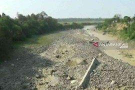 Kekeringan di Bekasi meluas hingga belasan desa