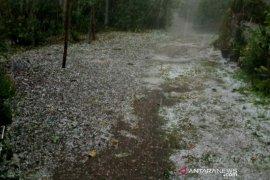 Lima desa di Aceh dilanda hujan es