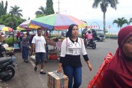 Puluhan warga mengungsi di kampus Unkhair kembali ke rumah