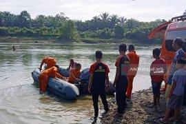 Dua warga Aceh Barat tenggelam di sungai satu korban meninggal  dunia