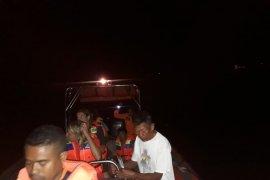 Basarnas selamatkan 5 wisatawan asal Jepang korban kapal tenggelam