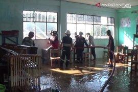 Garuda high school badly damaged by fire