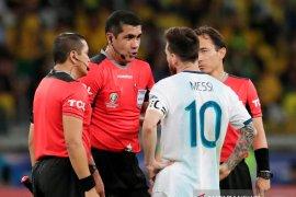 Wasit Argentina vs Brasil buka suara terkait komentar Messi