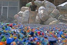Daur ulang sampah berbasis aplikasi jadi solusi dapat penghasilan saat pandemi