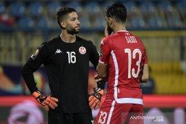 Kiper Tunisia minta maaf atas reaksinya saat diganti  jelang pinalti