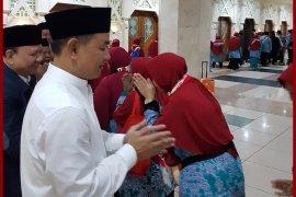 Pemkab Tangerang berangkatkan 393 calhaj kloter pertama