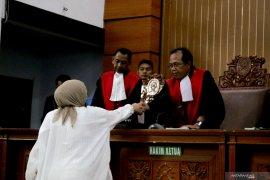 Ratna Sarumpaet divonis dua tahun penjara