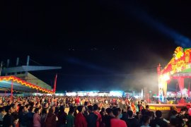 Ribuan warga padati malam Gawai Dayak Sintang 2019