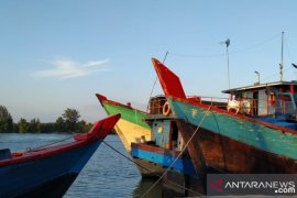 DKP Babel tangkap empat kapal nelayan menggunakan trawl