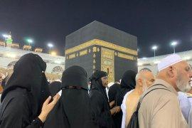 Shalat Jumat di Masjidil Haram bagi jamaah perempuan tidak wajib