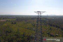 PLN UIP Kalbagbar ganti kabel di 604 tower SUTT di Kalbar