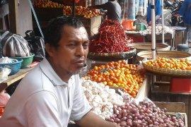 Kemendag bantu 200 timbangan bagi pedagang di pasar tradisional Ambon