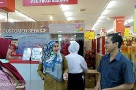 Ritel di Kota Tangerang diajak kurangi penggunaan kantong plastik