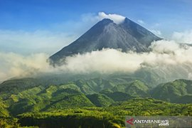 Awan panas letusan Gunung Merapi dipicu tekanan akumulasi gas