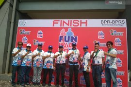 200 BPR se-Jabodetabek meriahkan HUT dengan jalan santai di Bekasi