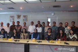 Kominfo kirim 18 mahasiswa ke China dan India