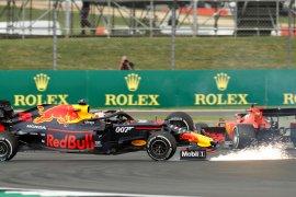 Verstappen jelaskan kondisi mobil usai diseruduk Vettel di F1