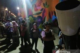 Masyarakat antre tonton gerhana bulan di Planetarium