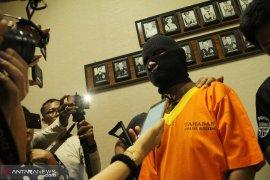 Polisi tangkap warga Malaysia penyelundup sabu-sabu