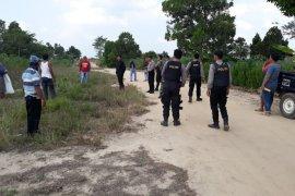 Beragam senjata ditemukan di lokasi bentrok Mesuji
