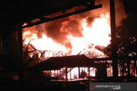Kebakaran Jalan Gambir Amawang Kiri hanguskan empat  rumah