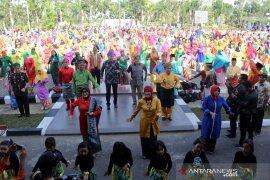 Dubes Kanada untuk Indonesia ikut Joget Harmoni di Kubu Raya